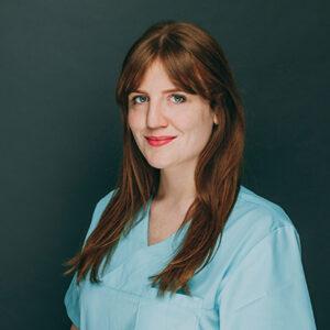 Mitarbeiterin in der Zahnarztpraxis Thorn in Frankfurt