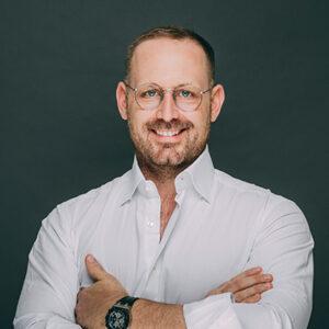 Dr. Gerrit Thorn ist Zahnarzt in Frankfurt