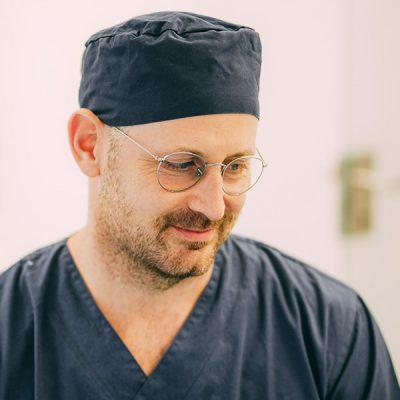 Dr. Gerrit Thorn ist Zahnarzt in Frankfurt und hilft Ihnen, gesund zu bleiben.