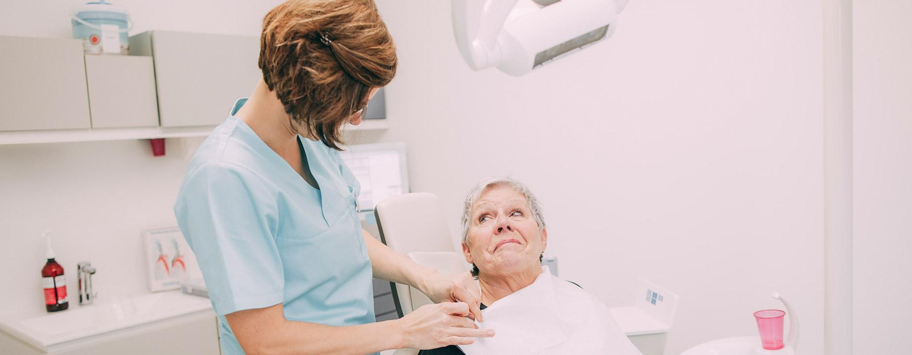 Parodontosebehandlung in Frankfurt für feste und gesunde Zähne