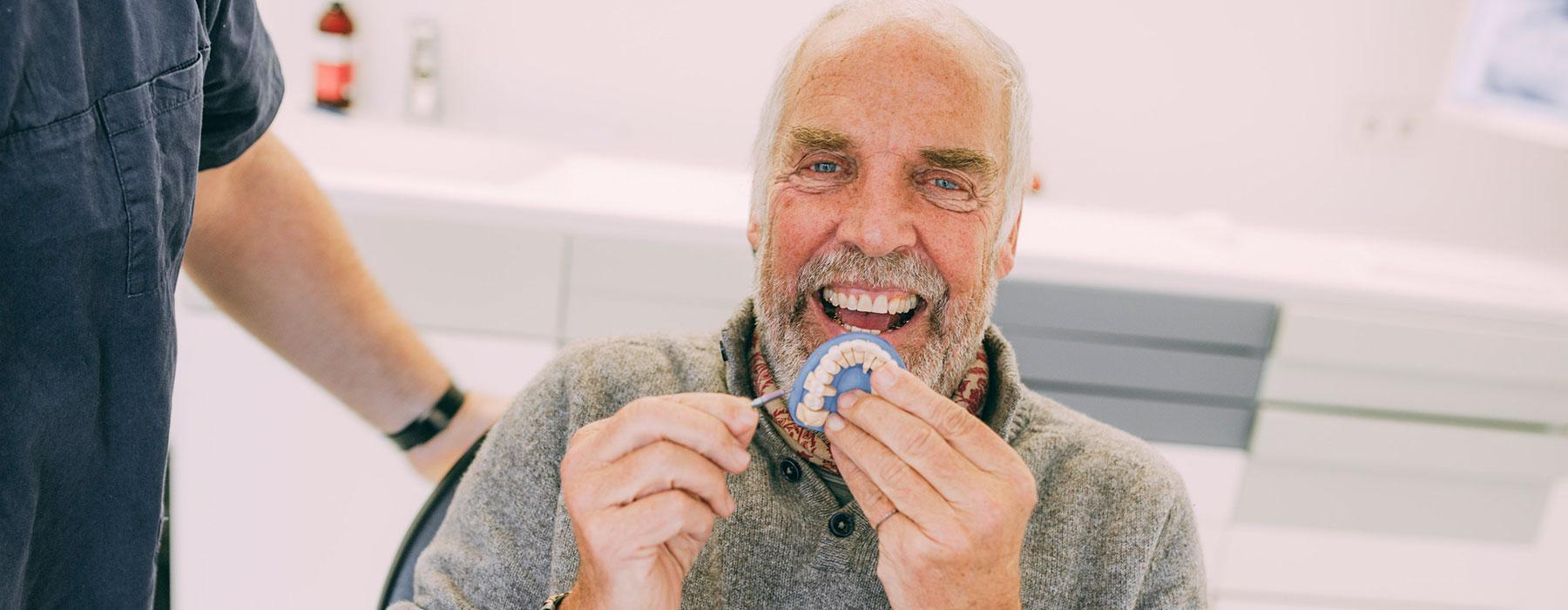 Fester Zahnersatz in jedem Alter bei Dr. Thorn in Frankfurt